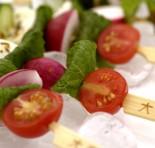 Salada no espetinho