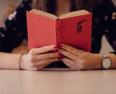 Conheça os principais clubes de assinatura de livros